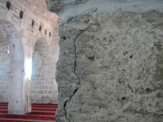 انظر ماذا يجري تحت بيت الله المسجد الاقصى  18112009-18