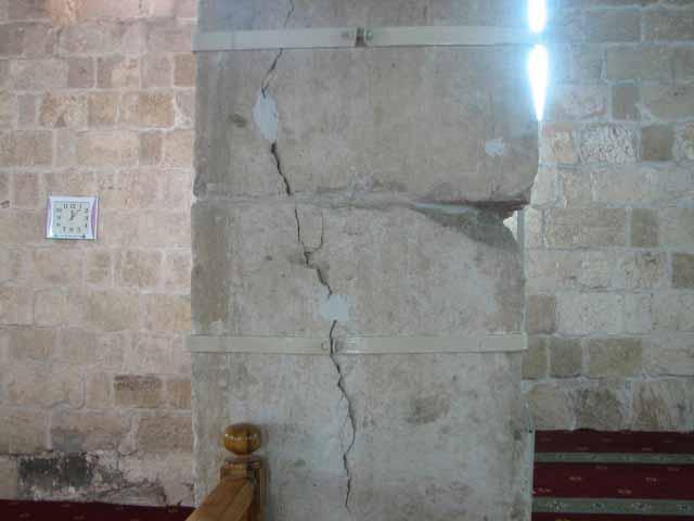 انظر ماذا يجري تحت بيت الله المسجد الاقصى  18112009-22