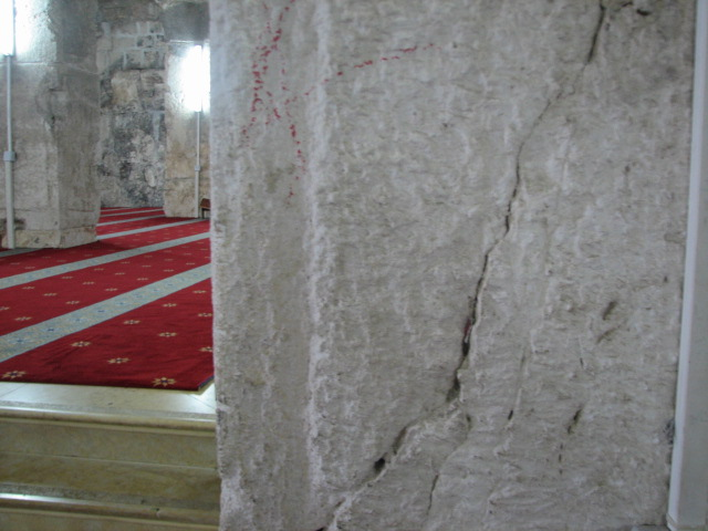 انظر ماذا يجري تحت بيت الله المسجد الاقصى  18112009-23
