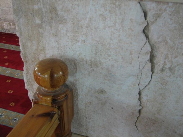 انظر ماذا يجري تحت بيت الله المسجد الاقصى  18112009-24