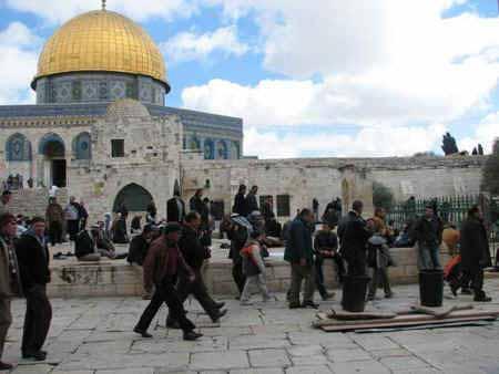 انظر ماذا يجري تحت بيت الله المسجد الاقصى  18112009-32