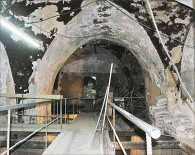 انظر ماذا يجري تحت بيت الله المسجد الاقصى  18112009-6